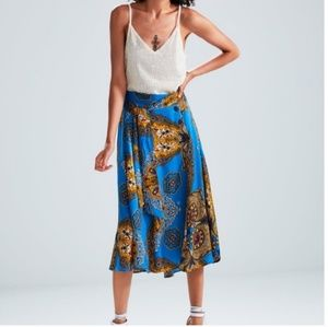 Zara Fashion blogger favorite satin midi skirt